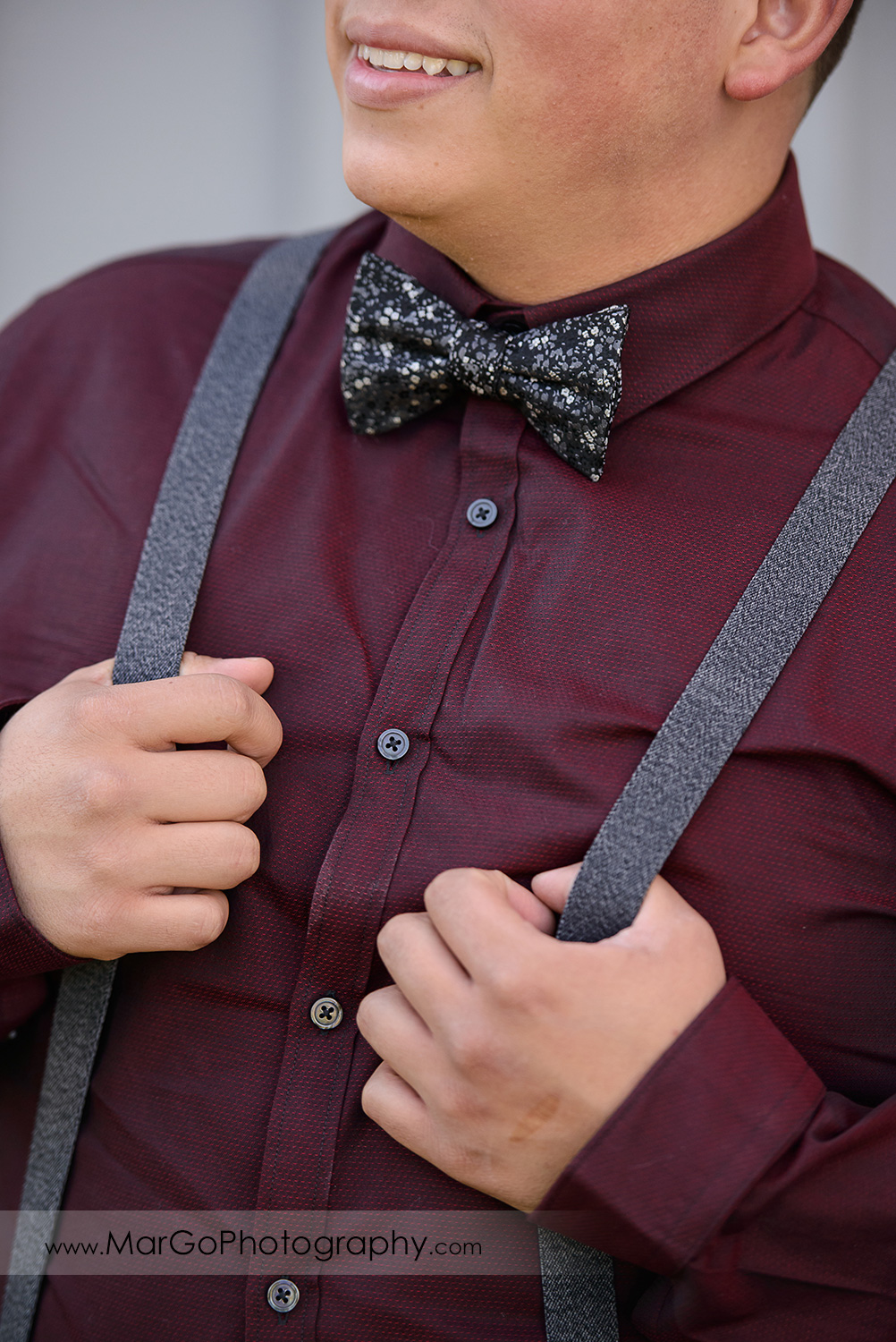 groom's bow tie at Pleasant Hill City Hall