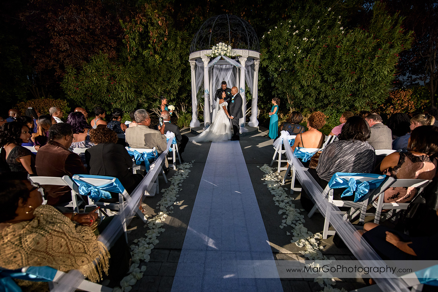 wedding ceremony at Wedgewood Wedding & Banquet Center in Brentwood