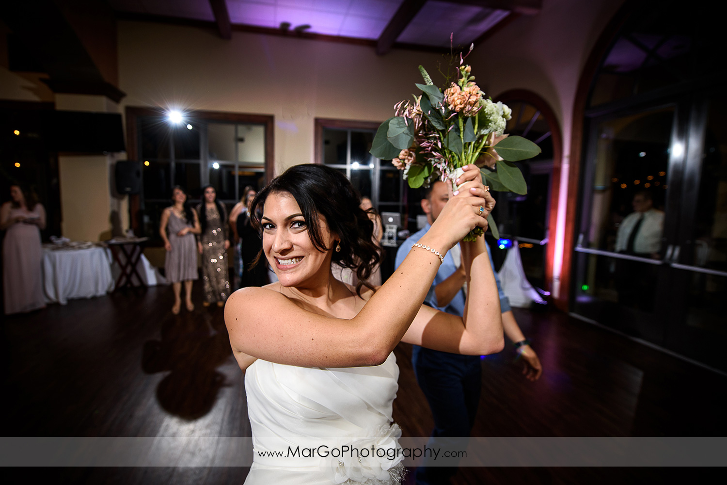 bouquet toss at Poppy Ridge Golf Course in Livermore
