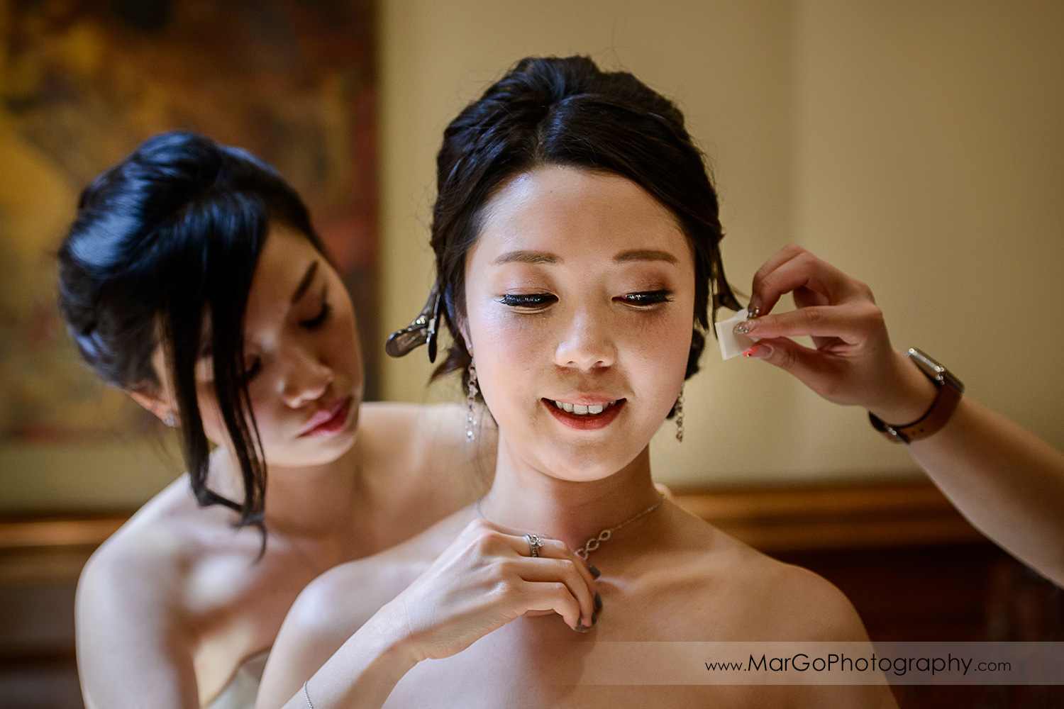 bride getting ready at the Club at Ruby Hill in Pleasanton