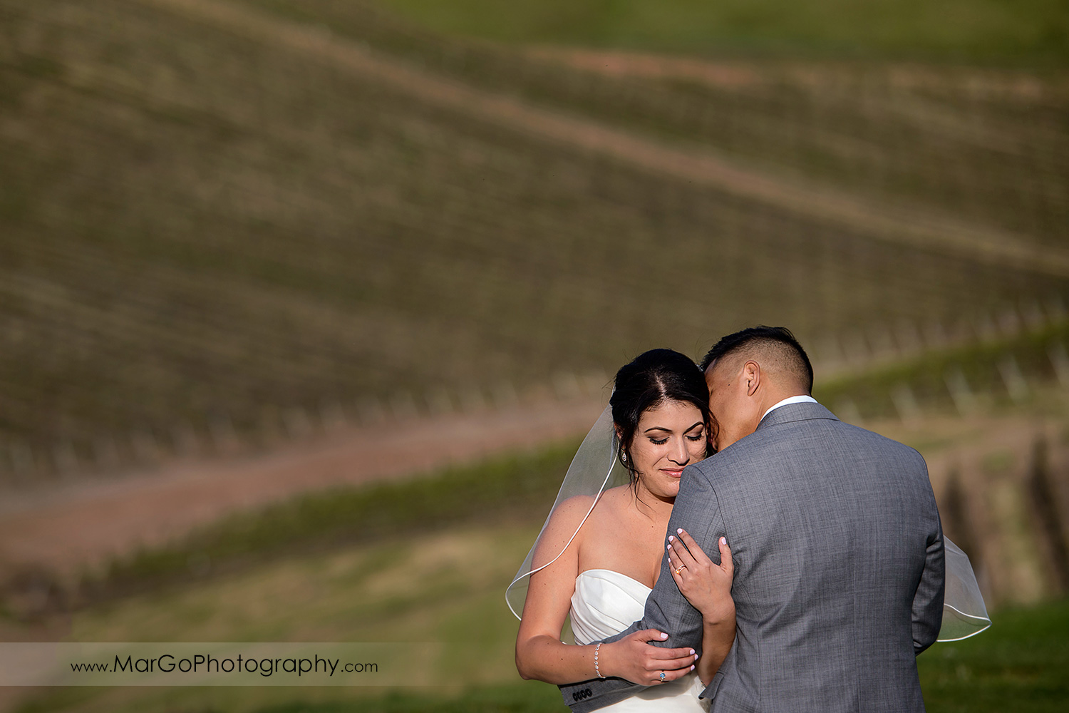 portrait of bride and groom at Poppy Ridge Golf Course in Livermore